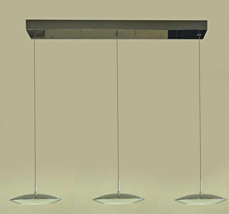 שלושה מנורות