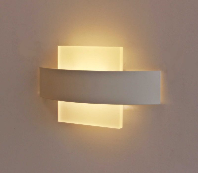 מנורת אקרילי קשת