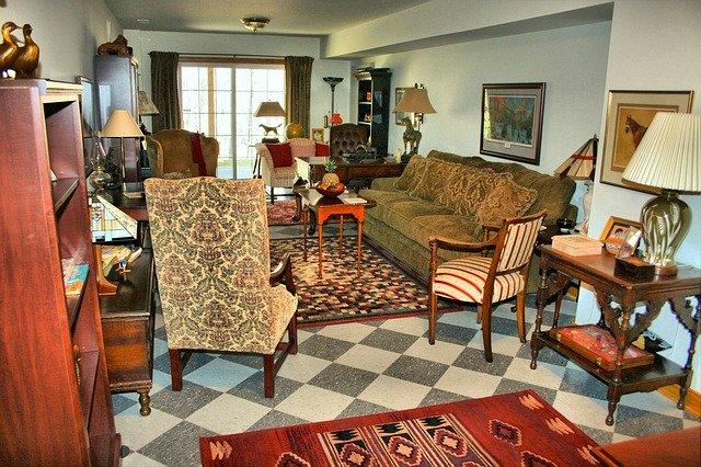 לב הבית: כללים חשובים לתכנון תאורת הסלון